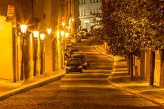 Nachtstraße von Prag, Tschechische Republik Stockfotografie