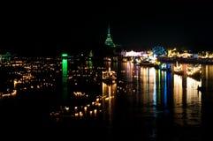 Nachtszene in Bangpakong Fluss Lizenzfreie Stockbilder