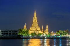 Nachtszene bei Wat Arun, buddhistischer Tempel, Bangkok, Thailand Lizenzfreies Stockfoto
