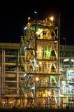 Nachtszene der Chemiefabrik Stockfoto