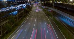 Nachtszene des Verkehrs und der Straßen Zeitspanne - lange Belichtung - 4K stock video footage