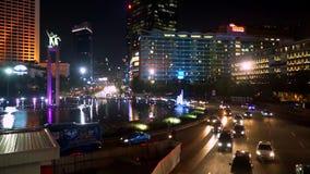 Nachtszene in zentralem Jakarta stock footage