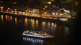 Nachtviering bij cruiseschip stock footage