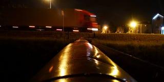 Nachtvrachtwagen royalty-vrije stock foto's
