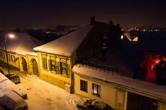 Nachtwinterszene in Sibiu Stockbilder