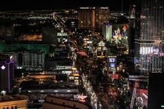 Nachtzeit auf dem Las Vegas-Streifen lizenzfreie stockfotografie
