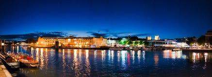 Nachtzeit Bristol stockfotos