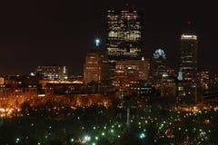 Nachtzeit in der Stadt lizenzfreie stockfotografie