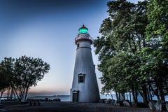 Nachtzeit am Leuchtturm schoss auf eine drastische Mode nachts stockfotografie