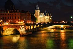 Nachtzeit Paris Stockfotografie