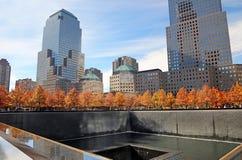 Nacional 9/11 Memorial Park en la caída Fotografía de archivo libre de regalías