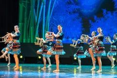 A nacionalidade do banho-Tujia do luar - dança clássica chinesa Imagem de Stock