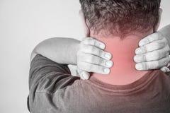 Nackenverletzung in den Menschen Nackenschmerz, Gelenkschmerzenleute medizinisch, Monotonhöhepunkt am Nacken Lizenzfreies Stockbild