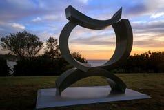 Nackstöd på skulptur vid havet Bondi Arkivfoto