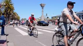 Nackte Fahrrad-Fahrt 2015 in San Francisco, Kalifornien, USA, stock video