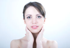 Nackte Mädchen mit klarem Gesicht Lizenzfreie Stockfotos