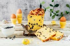 Naco quente do bolo transversal do açafrão da Páscoa Imagem de Stock