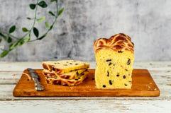 Naco quente do bolo transversal do açafrão da Páscoa Fotografia de Stock