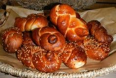 Nacos de pão, conhecidos como o Chalá. Imagens de Stock Royalty Free