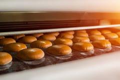 Nacos do pão de mistura no transporte Imagem de Stock