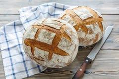 Nacos do pão de sourdough caseiro fresco Fotografia de Stock