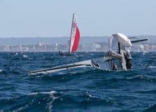 Nacra 17 klasowy obrót handlowy podczas regatta w palmie de Mallorca zdjęcie stock
