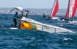 Nacra 17 klasowy obrót handlowy podczas regatta w palmie de Mallorca obraz stock