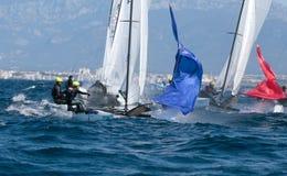 Nacra 17 klasse die tijdens regatta in palmade Mallorca detail varen Stock Foto's