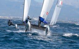 Nacra 17 klasse die tijdens regatta in palmade Mallorca detail varen Royalty-vrije Stock Afbeeldingen
