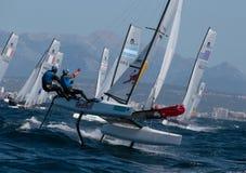 Nacra klasy francuza drużyny żeglowanie podczas regatta fotografia stock