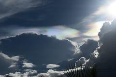 Nacreous chmury pokazuje ich piękno fotografia royalty free