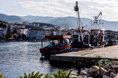Naczynia Na rybak zatoce Yalova Turcja Obraz Royalty Free