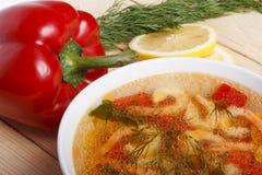 Naczynia śródziemnomorska kuchnia od warzyw i garneli obrazy royalty free