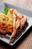 naczynia scampi spaghetti pomidory Zdjęcie Royalty Free