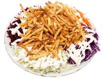 Naczynie dłoniaki z majonezem i warzywami na białym tle zdjęcie stock