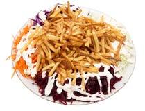 Naczynie dłoniaki z majonezem i warzywami na białym tle fotografia royalty free