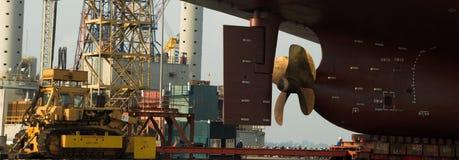 Naczynie w suchym doku Singapur Obrazy Royalty Free
