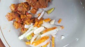 Naczynie z menu wołowina lub powszechnie nazwany rendang z zalewami fotografia stock