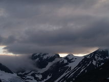 nad śnieżnym słońcem słońce góry Fotografia Stock