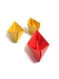 nad biel łódkowaty origami fotografia royalty free