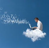 Nad chmurą biznesmen pracy Zdjęcie Stock
