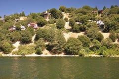 nad domy jeziorni Zdjęcie Stock