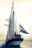 nad fira Greece wyspa blisko żeglowania santorini dennego statku widok Zdjęcia Stock
