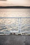 Nad jeziorem spokojny zmierzch Zdjęcia Royalty Free