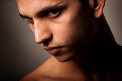 nad portretów potomstwami gniewny ciemny indyjski mężczyzna fotografia royalty free