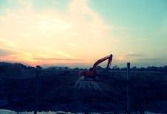 Nad widok na grupie budowy maszyneria parkuje przy placem budowy Zdjęcia Royalty Free