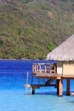Nad wodnym bungalowu zakwaterowaniem w bor borach Zdjęcie Royalty Free