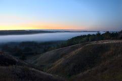 nad wschód słońca mgły łąka Obrazy Stock