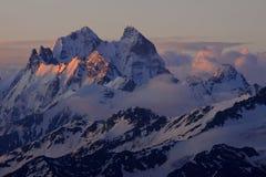 nad wschód słońca szczytowym ushba Zdjęcia Royalty Free