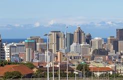Nad zakończenie w górę widoku miasto i Nabrzeżna linia horyzontu Fotografia Royalty Free